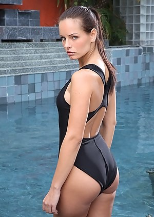Girls Swimsuit Porn Pictures